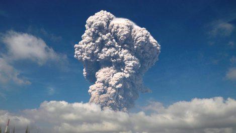 Indonésie : importante éruption du volcan Sinabung