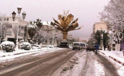 Sétif: la neige rend difficile le trafic routier dans les régions nord et sud de la wilaya