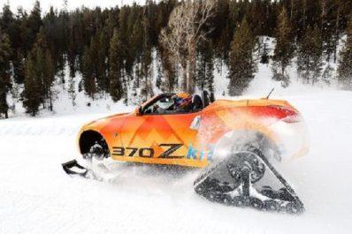Insolite : Nissan présente le 370Zki, un roadster façon motoneige