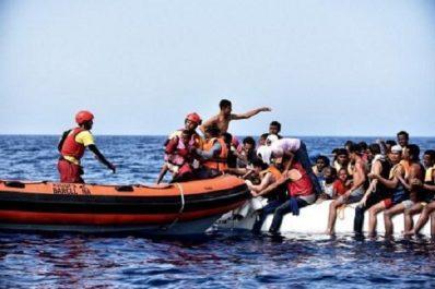 """Espagne/Maroc: """"près d'une vingtaine"""" de migrants morts récupérés en mer"""