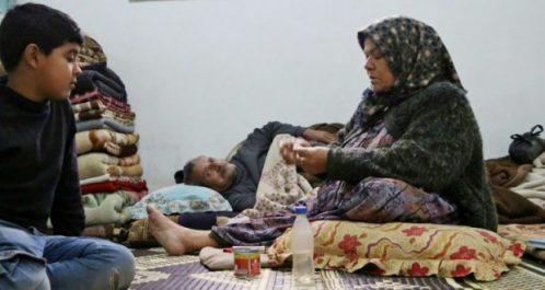 Fuyant les combats : Des Syriens s'entassent par dizaines dans des maisons à Afrine