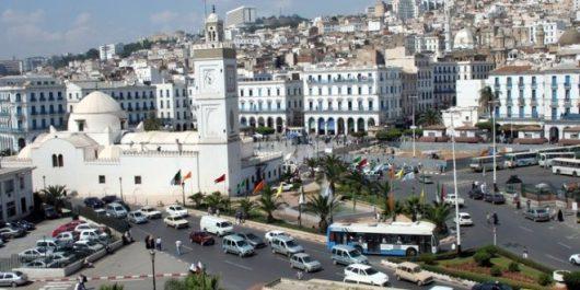 Début des travaux du séminaire sur la ville algérienne face aux défis du développement durable