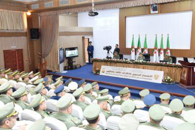 Gaïd Salah préside la réunion annuelle des cadres chargés de la formation