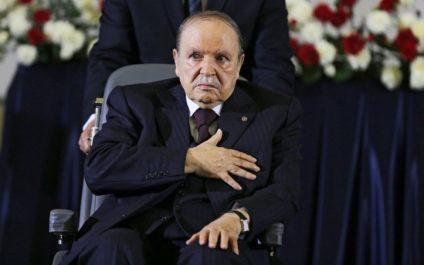Le président Bouteflika, mardi à la Grande Mosquée d'Alger