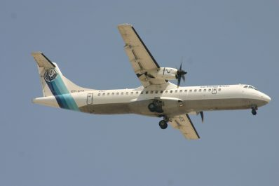 Un avion de ligne iranien s'écrase, aucun survivant parmi les 66 passagers