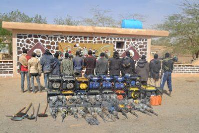 MDN : Deux contrebandiers arrêtés à Tamanrasset et In Guezzam