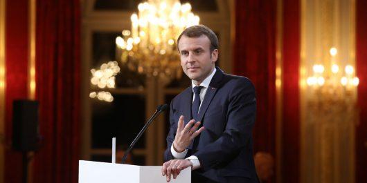 Macron prépare une réorganisation «complète» du culte musulman en France