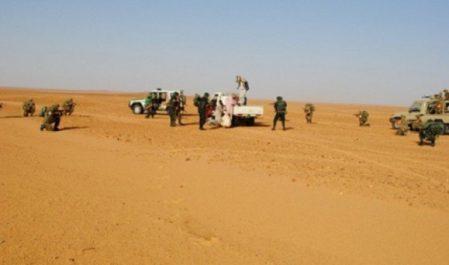 Deux contrebandiers arrêtés au Sud du pays et plus de 66 kg kif traité saisis à l'Ouest (MDN)