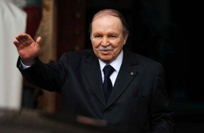 Le président de la République honore trois Artistes