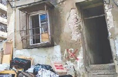 Plusieurs familles y habitent encore à Tiaret : Un immeuble menace ruine au quartier El-Hachemi-Larbi