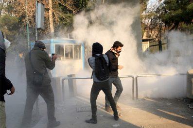 Trois policiers tués à Téhéran dans des heurts avec des soufis