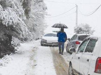 Météo Algérie annonce de la neige jusqu'à mardi soir sur les reliefs dépassant les 900 mètres