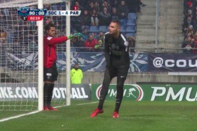 PSG : Dani Alves a se transforme en gardien de but