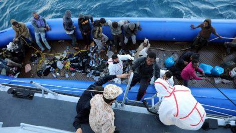 Le nombre de demandes d'asile dans l'UE a diminué de moitié