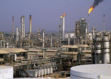 Sonatrach procédera cette année au raffinage du pétrole brut à l'étranger (Guitouni )