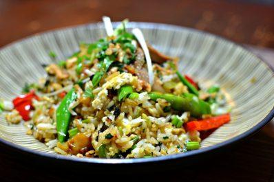 Riz au poulet épicé (Thaïlande)