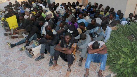 """Espagne : le Défenseur des droits juge """"cruel"""" et """"inefficace"""" le dispositif d'accueil des migrants"""