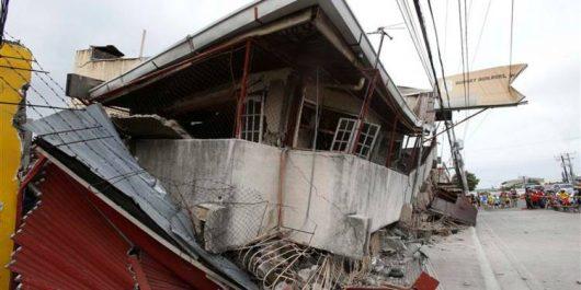 Au moins 67 morts dans un puissant séisme en Papouasie