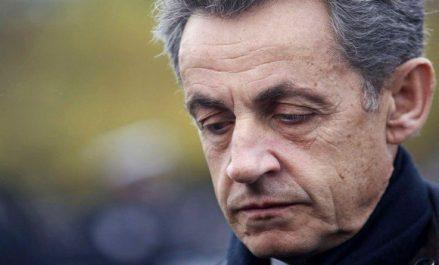Nicolas Sarkozy a montré des «signes de faiblesses» devant les policiers lors de sa garde à vue