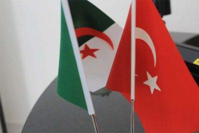 L'Algérie refuse la suppression des visas avec la Turquie