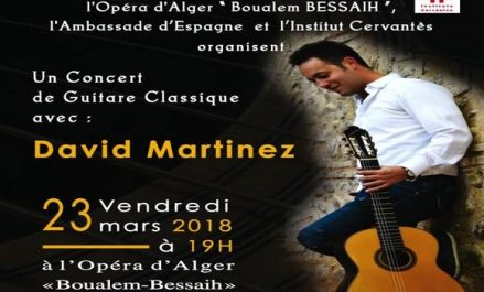 Le concertiste espagnol David Martinez anime un spectacle classique pour guitare à Alger