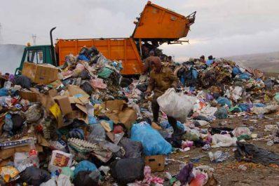 ENVIRONNEMENT : Oran se perd dans ses déchets ménagers