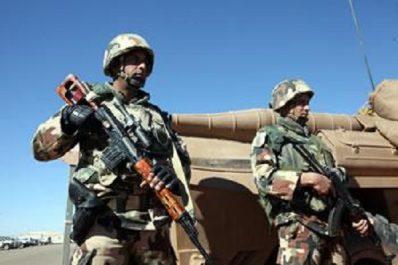 Gestion des conflits et lutte antiterroriste : De Villepin encense la méthode algérienne