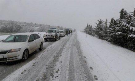 Plusieurs routes coupées à la circulation suite aux chutes de neige