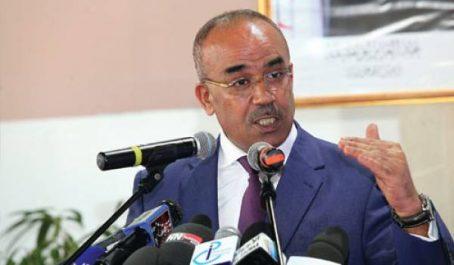 Bedoui appelle les partis politiques à assumer un rôle «pionnier» dans la promotion de la participation de la femme