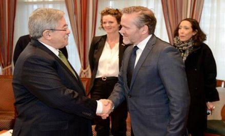 Ouyahia reçoit le ministre danois des Affaires étrangères