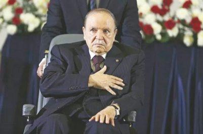 Bouteflika appelle à moderniser et assainir le discours religieux