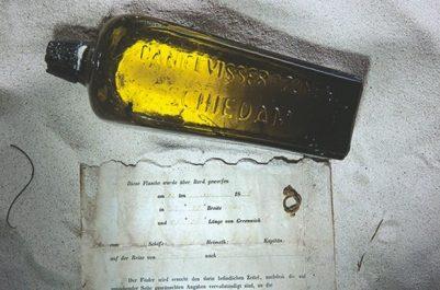 """ELLE AURAIT ÉTÉ JETÉE LE 12 JUIN 1886 DANS L'OCÉAN INDIEN : Découverte de la plus ancienne """"bouteille à la mer"""""""