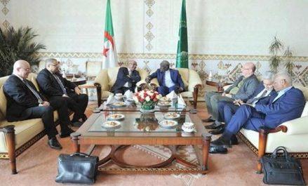 Entretien à Alger entre MM. Messahel et Faki Mahamat
