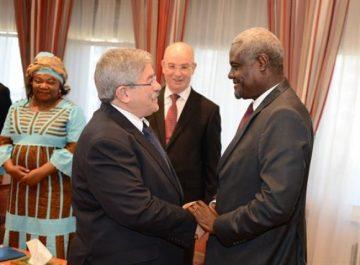 Ouyahia reçoit le président de la Commission de l'Union africaine