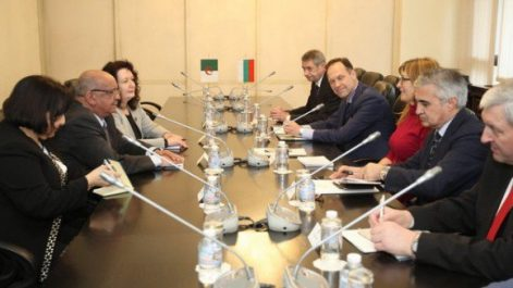 Messahel s'entretient à Sofia avec son homologue Bulgare