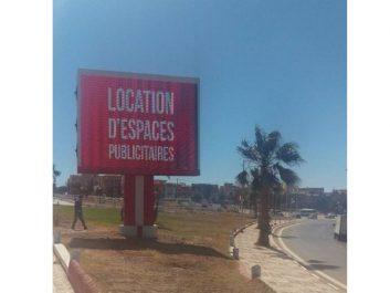 Les afficheurs contrevenants rappelés à l'ordre à Aïn El-Turck: Sept panneaux publicitaires démantelés sur l'axe menant à Bousfer