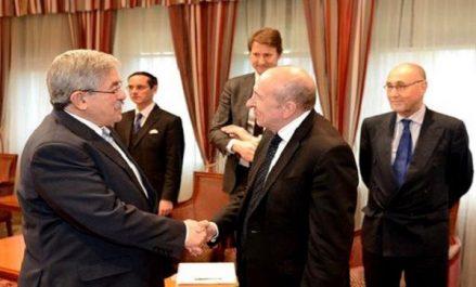 Ouyahia reçoit le ministre français de l'Intérieur