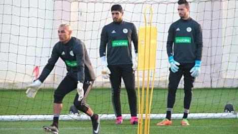 1 Madjer : «Chaouchi reste une valeur sûre, Salhi et Moussaoui sont des gardiens d'avenir»