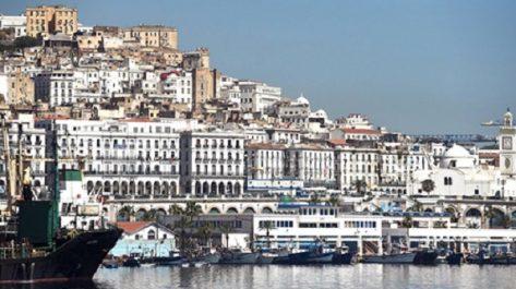 L'économie de marché concurrentiel à finalité sociale et la démocratie en Algérie, fondées sur un dialogue permanent