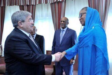 Ouyahia reçoit la ministre malienne de la Culture