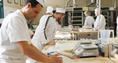 Oran : Formation d'une vingtaine de boulangers en pains spéciaux
