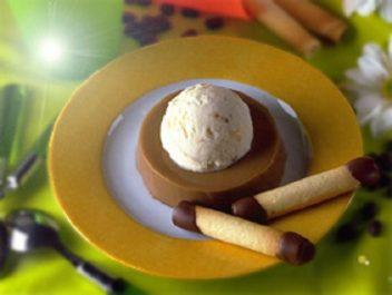 Flan au café et sa crème glacée