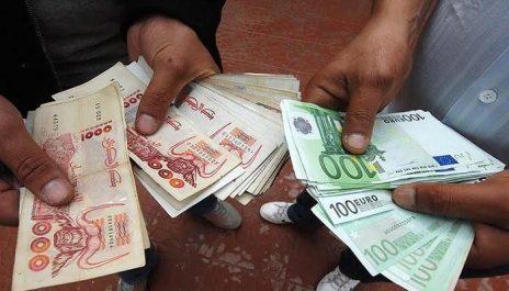 Les six raisons de la dévaluation du dinar sur le marché parallèle