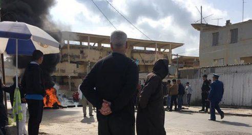 Ils revendiquent leur relogement avant le Ramadhan : le quartier d'El-Arsa bloqué par des citoyens