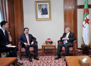 Ouyahia reçoit le président d'Interpol, Meng Hongwei