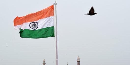 Inde : une adolescente violée, aspergée d'essence et brûlée
