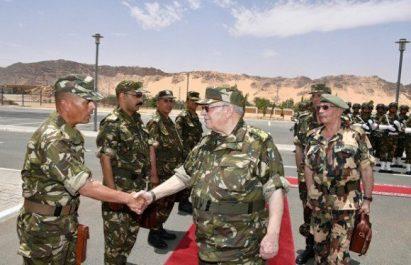 Gaïd Salah inspecte plusieurs unités de l'ANP le long des frontières Sud-Est du pays