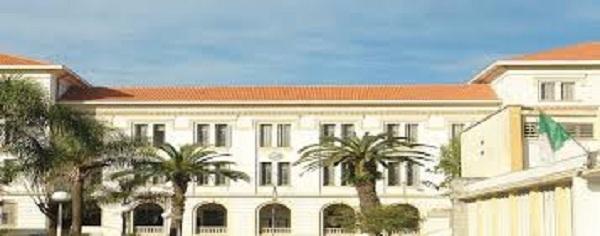 Ecole polytechnique d'Alger : Les diplômés recherchés par les majors pétroliers Le groupe international Total prospecte parmi les étudiants de l'ENP dans le cadre de son programme « Young Graduate ».