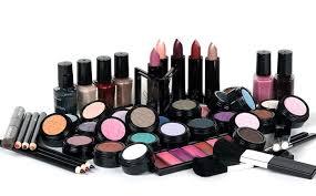 Djellab gèle les importations des produits cosmétiques