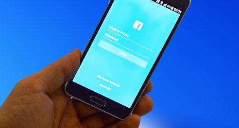 Qui se cache derrière les faux comptes Facebook ?
